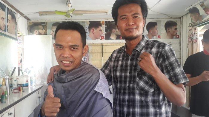 Kisah Muhyidin, Tukang Cukur di Balikpapan Memotong Rambut Ustaz Abdul Somad: Setengah tak Percaya