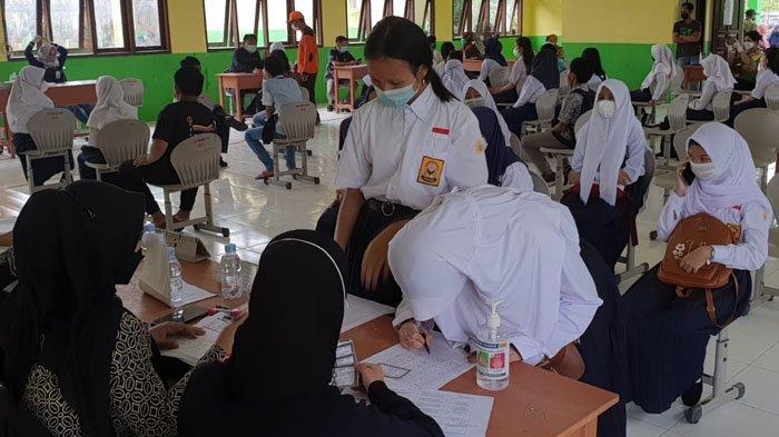 Ratusan Pelajar SMPN 2 Tanjung Selor Ikut Vaksinasi, Hal Ini Harus Diperhatikan sebelum Divaksin