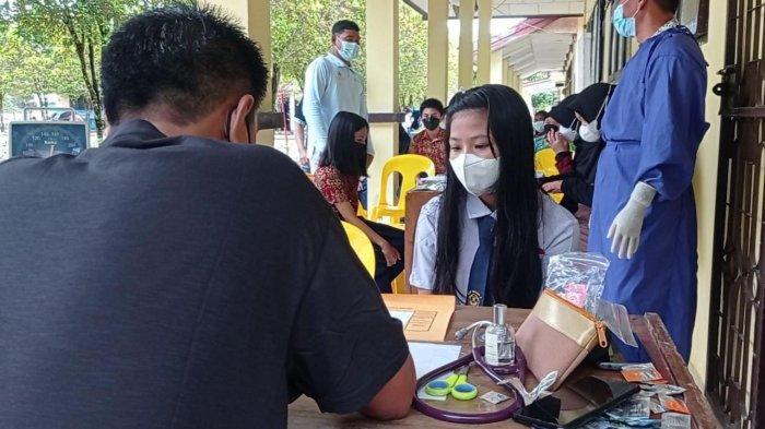 Vaksinasi peserta didik di SMPN 2 Malinau Kota, Kabupaten Malinau, Provinsi Kalimantan Utara, Kamis (16/9/2021).