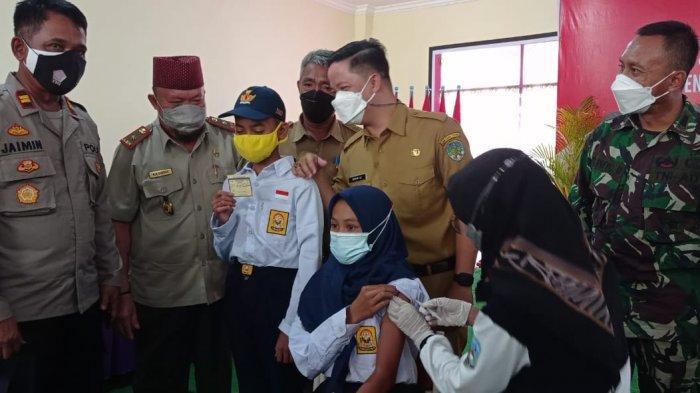 Vaksinasi Covid-19 bagi pelajar SMP Negeri Terpadu Unggulan 2 Tana Tidung, di Kecamatan Sesayap Hilir, Senin (20/9/2021)