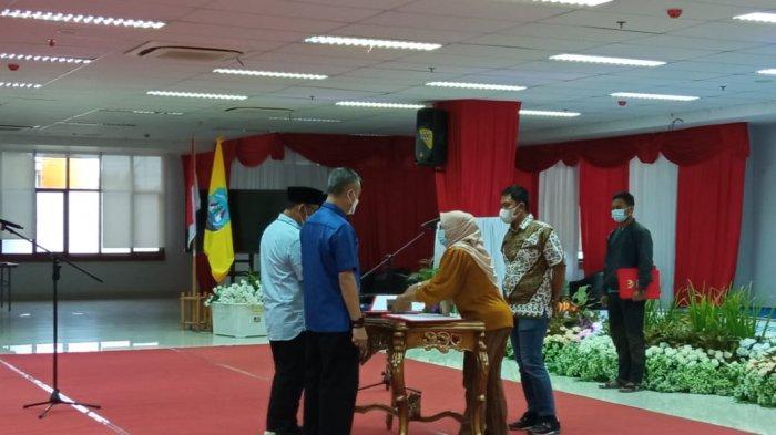 Bupati Malinau terpilih dan Wakil Bupati Malinau terpilih, Wempi W Mawa dan Jakaria saat mengikuti Gladi Bersih pelantikan di Gedung Gadis, Tanjung Selor