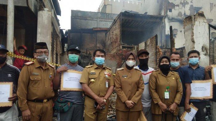 Sambangi Lokasi Kebakaran di Nunukan, Gubernur Kaltara Zainal Paliwang Janji Armada Damkar Tambahan