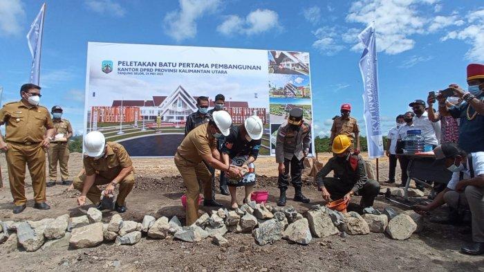 Resmikan & Letakan Batu Pertama Gedung Dewan, Gubernur Kaltara Zainal Paliwang Sebut 2022 Siap Pakai