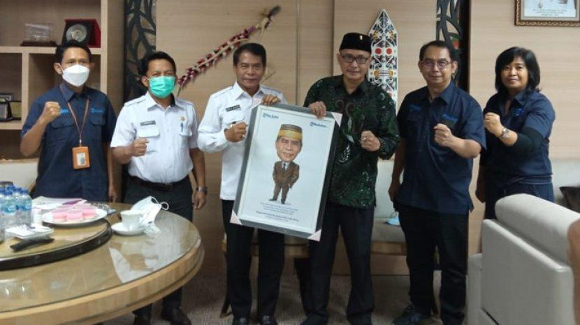 gubernur-kaltara-zainal-paliwang-terima-kunjungan-news-director-tribun-network-febby.jpg