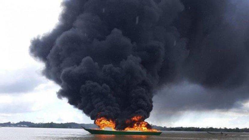 kapal-dompeng-terbakar-250920.jpg