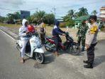 aktivitas-operasi-masker-di-jala-protokol-kelurahan-juata-laut.jpg