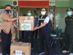 bantuan-menkes-terawan-untuk-korban-tanah-longsor-di-tarakan-kaltara-02102020.jpg