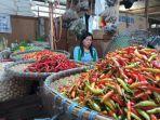 penjual-cabai-di-pasar-induk-tanjung-selor-1012021.jpg