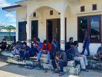 sebanyak-52-pelaku-perjalanan-asal-kota-surabaya-tertahan-di-pelabuhan-kelapis-malinau.jpg