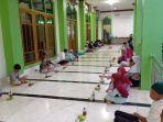 umat-muslim-di-malinau-menggelar-buka-puasa-bersama-di-masjid-agung-darul-jalal.jpg