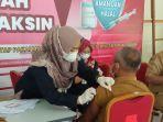 vaksinasi-covid-19-bagi-pns-pemprov-di-gedung-wanita-tanjung-selor.jpg