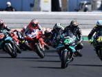 valentino-rossi-bersama-pebalap-motogp-lainnya-memulai-start-balapan-25092020.jpg