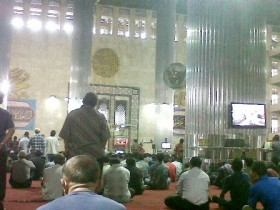 Keutamaan Sholat Jumat Saat Ramadhan, Berikut Bacaan Niat, Tata Cara dan Syarat Sahnya