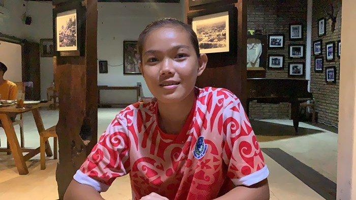 Adelita Veronika Bangga Dipercaya Jadi Kapten Sepak Bola Putri Kalteng