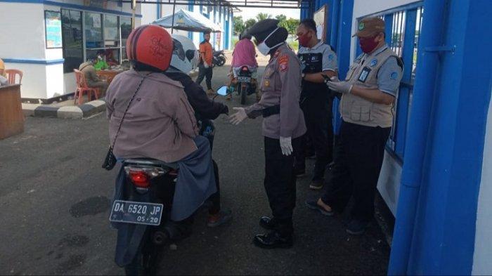 Pemeriksaan di Posko Perbatasan Anjir Serapat Diperketat, Setiap Pengendara Didata