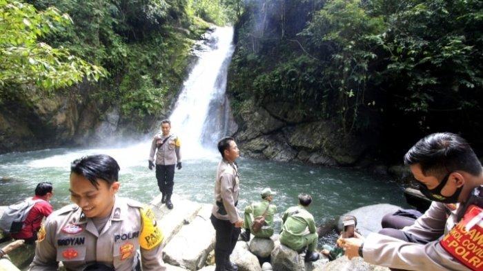Pengelola Wisata Air Terjun Haratai HSS Kalsel Naikkan Tarif Saat Tahun Baru