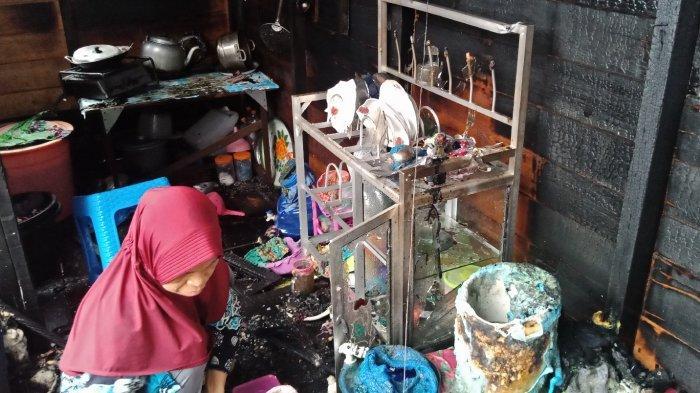 Kebakaran Bedakan Enam Pintu di Martapura ,Ainah Tak Sempat Selamatkan Kalung Emas