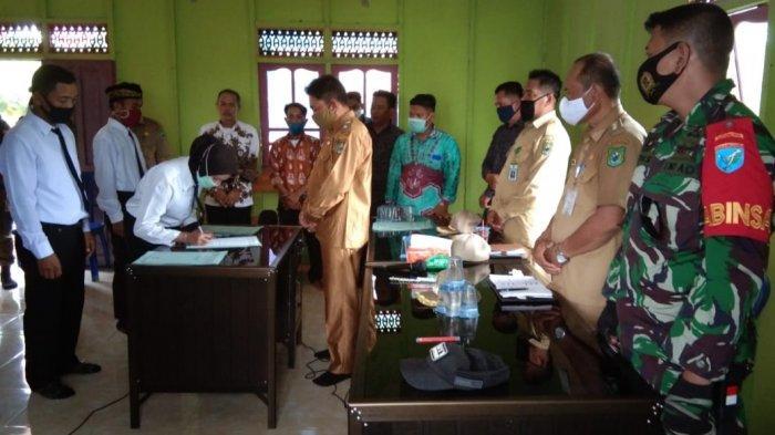 Aparatur Dua Desa di Kecamatan Kapuas Kuala Dilantik, Camat Punya Harapan Ini