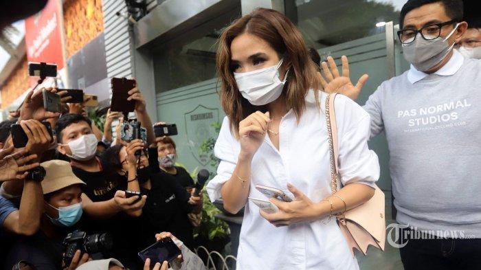 Jaga Kesehatan Mental Gisella Anastasia, Melaney Ricardo Ungkap Kondisi sang Sahabat