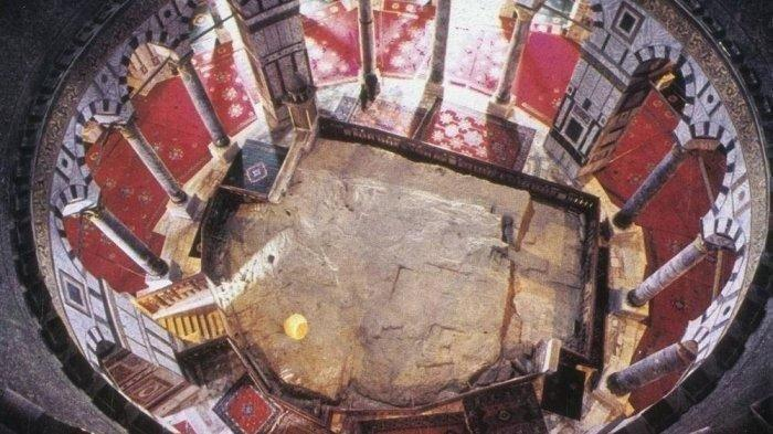 Dikelilingi Surah Yasin, Batu Ash-Sakhrah Masjid Al Aqsa Istimewa seperti Hajar Aswad Masjidil Haram