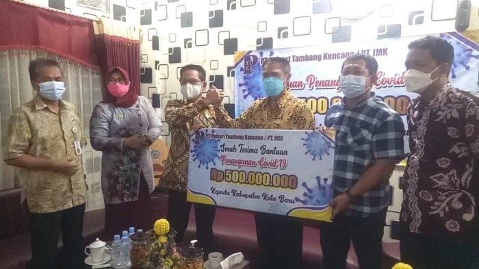 PT Pelsart Tambang Kencana Serahkan Bantuan Rp 500 Juta Kepada Kabupaten Kotabaru