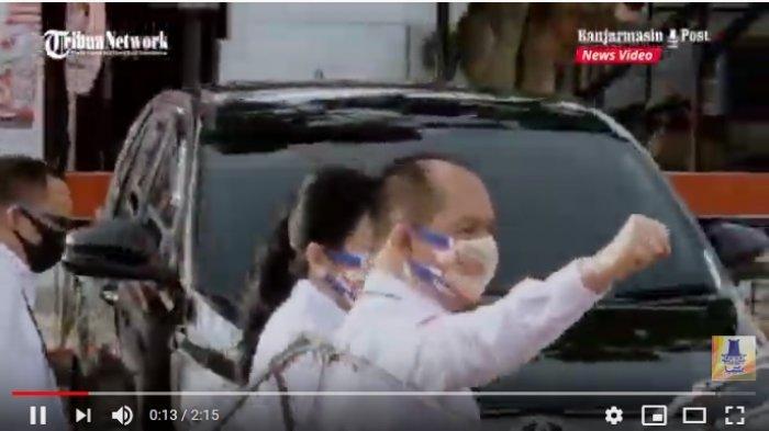 VIDEO Pasangan Bakal Calon Gubernur Ben-Ujang Pendaftar Pertama di KPU Kalteng
