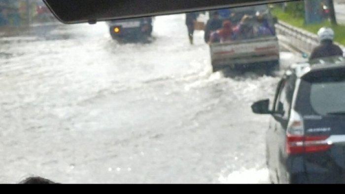 Banjir Jalan Ahmad Yani Hingga Kilometer 10 Gambut Kalsel, Setelah Itu Lancar