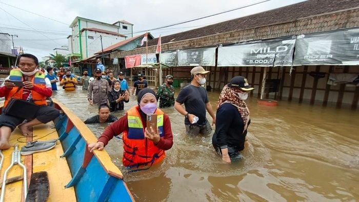 Banjir di Kotim Kalteng, Tim SAR Polairud Evakuasi Warga Kuayan, Pemprov Kalteng Salurkan Bantuan