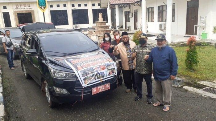 Galang Dana Bantuan Korban Banjir, DPRD Kapuas Kirim 4 Mobil Angkut Logistik ke Kalsel