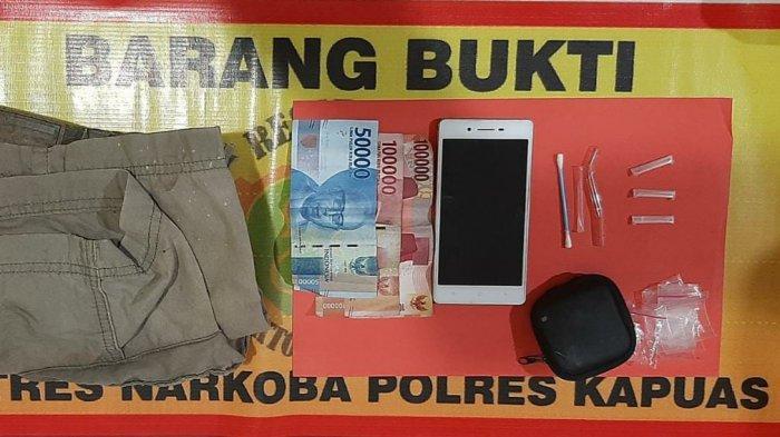 Satresnarkoba Polres Kapuas Bekuk Pria Warga Bataguh Kapuas di Rumahnya, Tiga Paket Sabu Diamankan