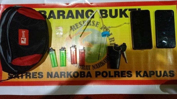 Dua Warga Selat Kapuas Kalteng Dicokok Polisi, Simpan Sabu Paket Hemat di Plastik Klip