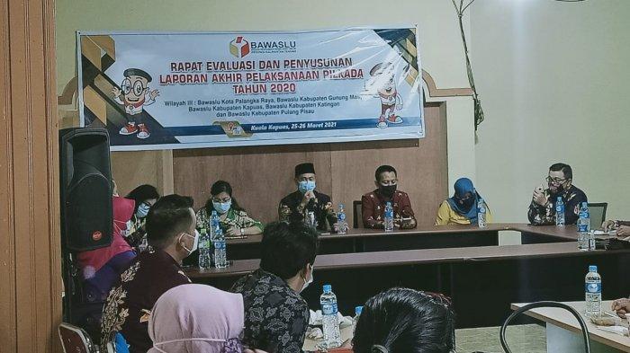 Bawaslu Kalteng Gelar Rapat Evaluasi dan Penyusunan Laporan Akhir Pilkada Kalteng 2020