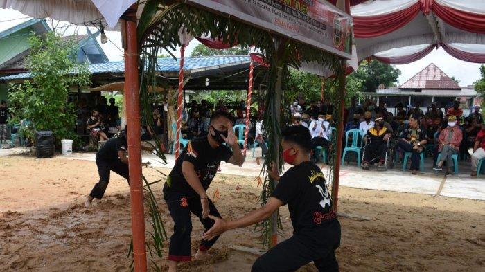 Perguruan Singa Jambung Pukulan Tinjek di Kapuas Laksanakan Ritual Batamat