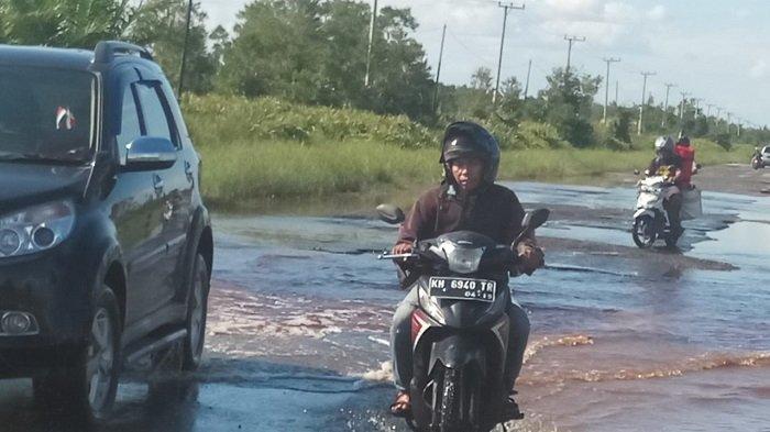 Banjir di Desa Bukit Rawi Menyurut, Kendaraan Motor Bisa Melintas, Begini Kondisinya