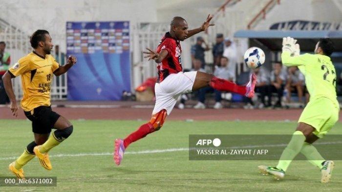 Jor-joran Pemain Liga 2 Indonesia, Persis Solo & RANS Cilegon FC Berebut Boaz Solossa, Ini Syaratnya