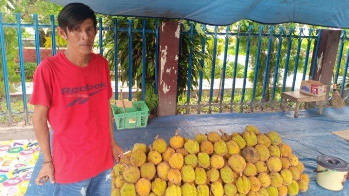 Buah Paken, Buah Khas Hutan Kalimantan Mirip Durian Dijual di Pinggiran Jalan di Palangkaraya
