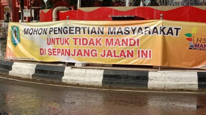 Warga HSU Kalsel Dilarang Bermain di Jalan Tergenang Banjir