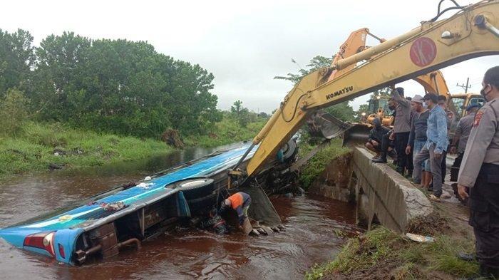 Bus Damri Masuk Parit di Palangkaraya Tewaskan Seorang Penumpang dan 35 Luka-luka, Diarahkan Uji KIR