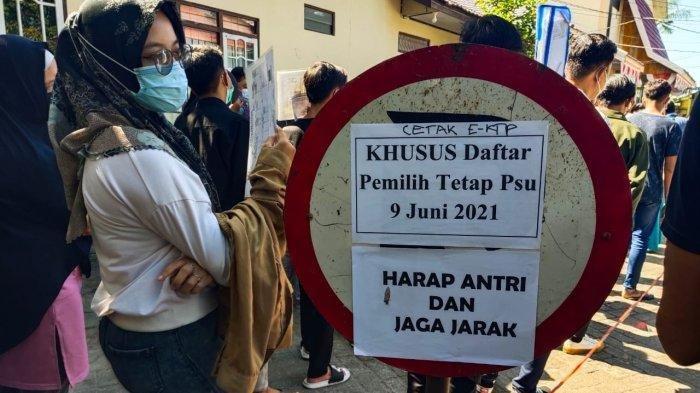 Besok PSU Pilgub Kalsel, Warga Banjarmasin Ramai-ramai Antre Cetak e-KTP: Saya Tidak Diarahkan