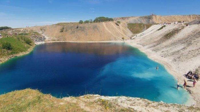 Ini Rasanya Berenang di Danau Beracun yang Terlihat Indah, Simak Cerita dan Faktanya