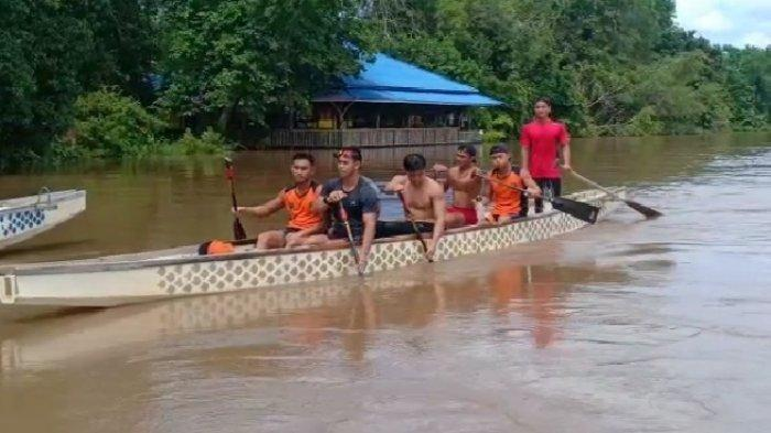 Cabor Dayung Traditional Boat Race 500 Meter Kalteng Tambah Medali Perak di PON XX Papua
