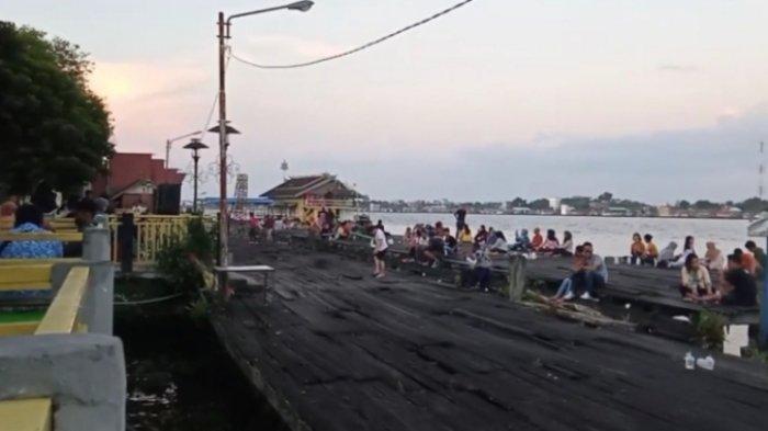 Akhir Pekan, Asyiknya Bersantai Menikmati Senja di Dermaga KP3 Kapuas Kalimantan Tengah
