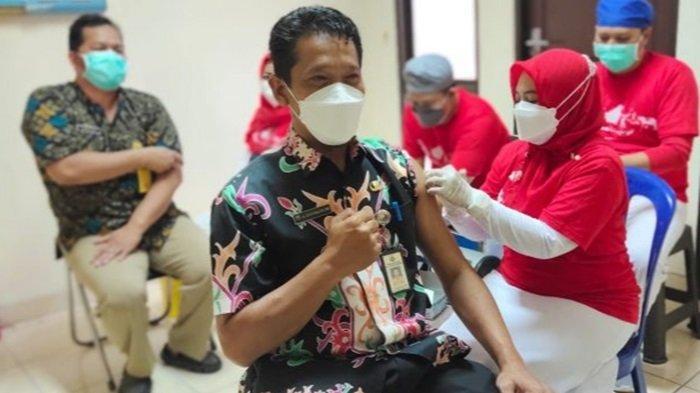 Tenaga Kesehatan RSUD Kapuas Diberi Vaksinasi Covid-19 Tahap Ketiga