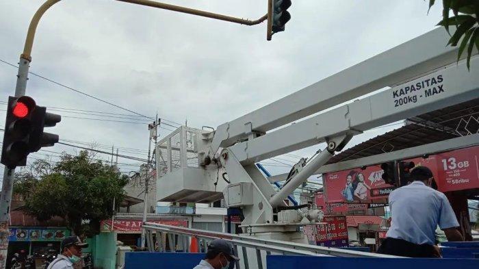 Dishub Palangka Raya Rutin Pemeliharaan Traffic Light di Kota Cantik