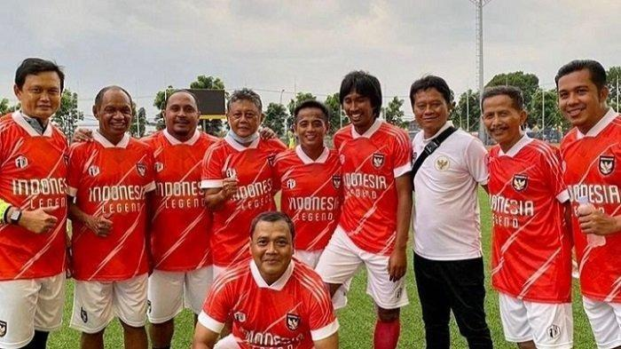 Libur Kompetisi, Djadjang Nurdjaman Ramaikan Sepakbola Gembira Bersama Legenda Timnas Indonesia