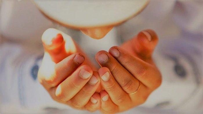 Tetap Tenang dan Tidak Panik Ketika Hadapi Masalah Berat, Baca Doa Ini