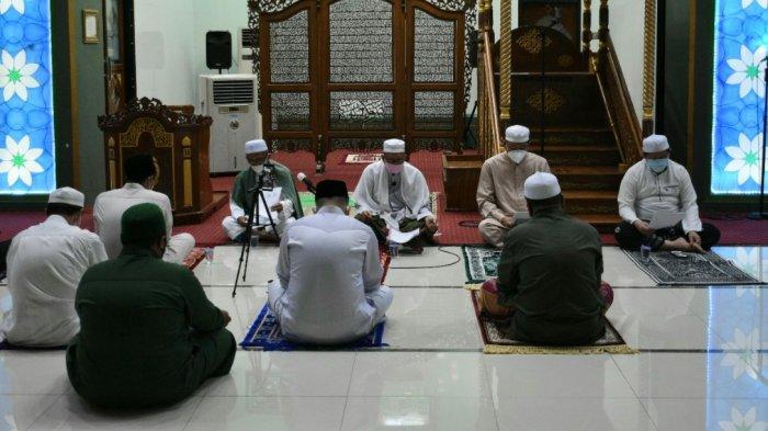 Dzikir dan Doa Bersama Mohon Pertolongan Allah SWT Digelar MUI Kapuas di Masjid Agung Al-Mukarram