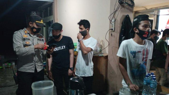 Petugas Gabungan Wilayah Banjarmasin Utara Tegur Sejumlah Kafe dan Warnet