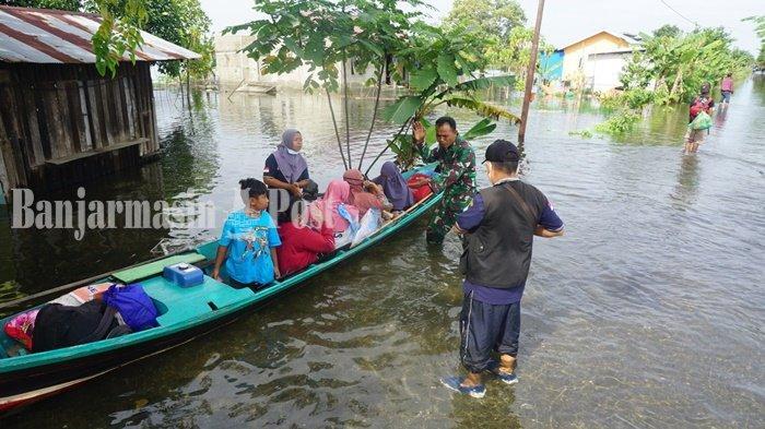 Banjir Terparah, Anak Berusia Satu Hari di Mandastana Batola Kalsel Dievakuasi