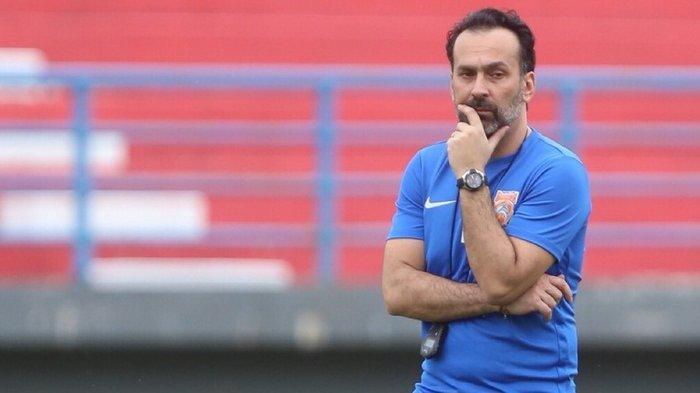 Gagal Tampil Cemerlang di Piala Presiden, Borneo FC Putus Kontrak Pelatihnya Fabio Lopez